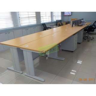Free standing table - office furniture partition