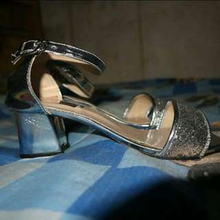 Strap Heels Silver Cantik