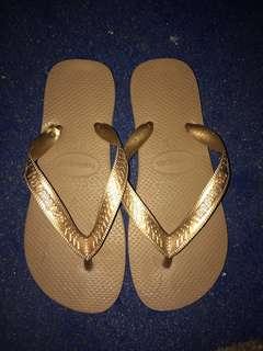 Havaianas (bronze)