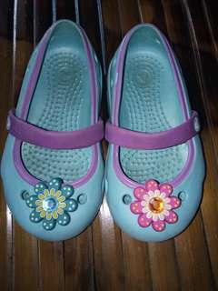 REPRICED!!!!350Pre love authentic Keeley crocs