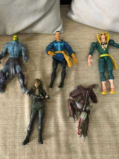 Various original action figures 200 each