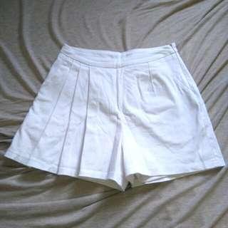 🚚 Pazzo白色單邊百摺短褲