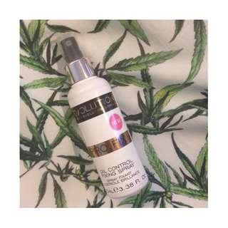 *SALE* MAKEUP REVOLUTION - Pro Fix Oil Control Makeup Fixing Spray