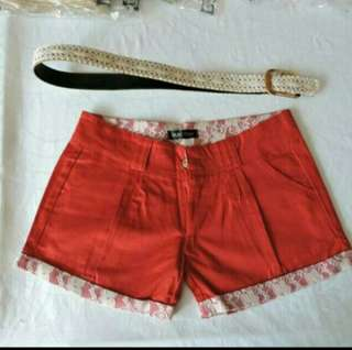 Simple Shorts, comes with free lace belt. Instock 2018 special price