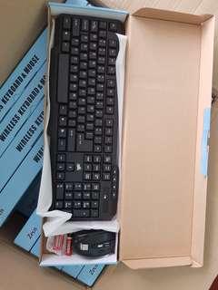 COD Bundle Wireless Keyboard and Mouse Free Battery