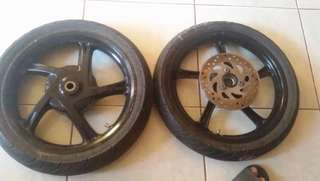 Stock mags msi 125 with disk brake with stock tire issue manongv rear front never been flat