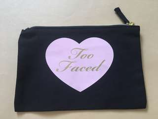 TOO FACED POUCH BLACK