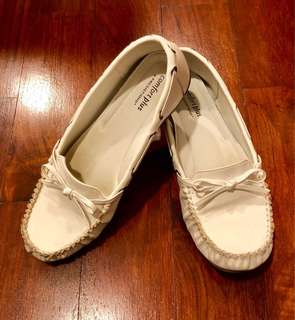 Comfort Plus by Predictions White Slip On Shoes (Size 9)