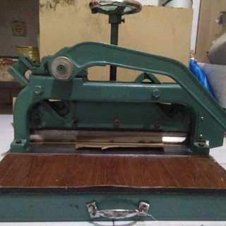Mesin potong kertas A3