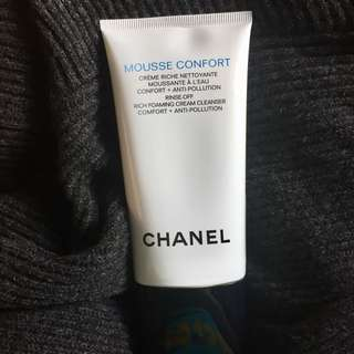 Chanel mousse confort foaming cream cleanser 150 ml. Japan