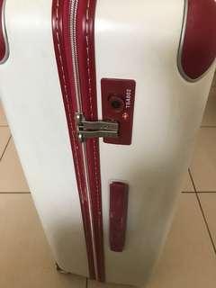 🚚 行李箱用過一次而已