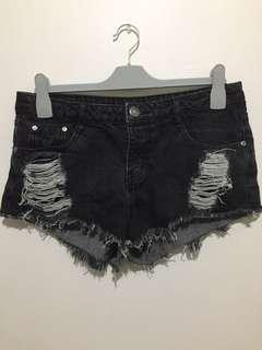 Frayed Mid Rise Shorts: Size 10
