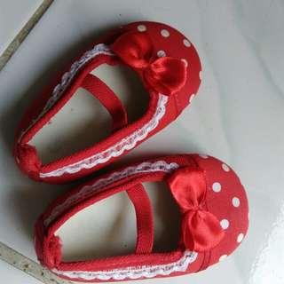 Baby's shoes- pre-walker