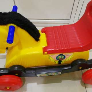 2 in 1, rocking horse and car with storage compartment
