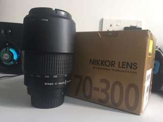 Nikon lens AF Zoom-Nikkor 70-300mm f4/5.6G