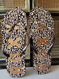 Roxy Slippers Simba Love