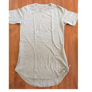 Long shirt with gold zippers