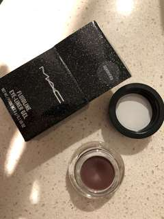 Mac Gentrified fluid liner - brand new and genuine
