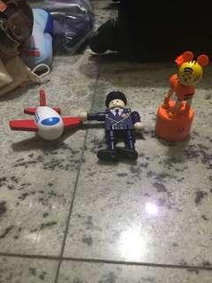 飛機上小玩具
