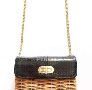 Aranaz Sling Bag (last price posted)