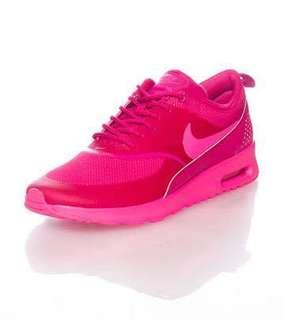 Nike Thea 6