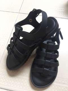 KIDS SIZE Near Mint US 13 Black Melissa Sandals