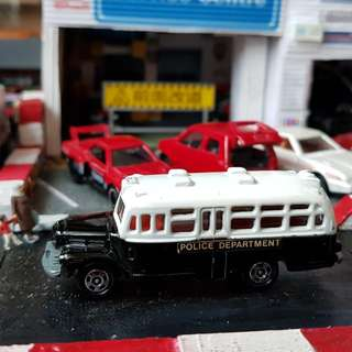 Tomica vintage police van made in japan very good condition loose piece