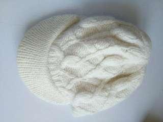 冬天米色手織冷帽一頂