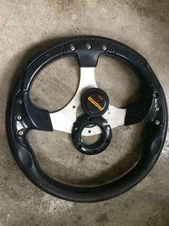 Momo Steering cover pecah sikit dan sikit calar kat steering