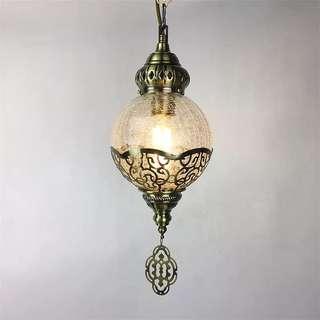 土耳其工藝冰裂紋玻璃華麗單頭小吊燈. 整燈呎吋:125CM.燈身呎吋35CM.鏈長度80.吊墜10 直徑16CM