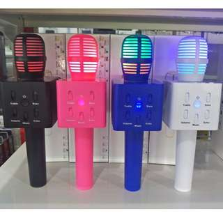 LED Q7 Bluetooth Microphone Speaker Karaoke Mic