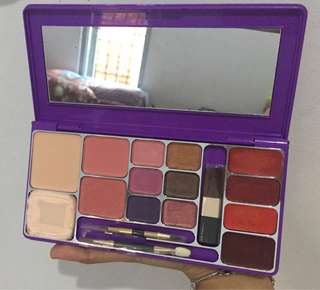 MIRABELLA MAKE UP KIT
