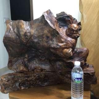 達摩雕刻名師 胡權有落款 牛樟樹頭 買價6萬,有興趣私