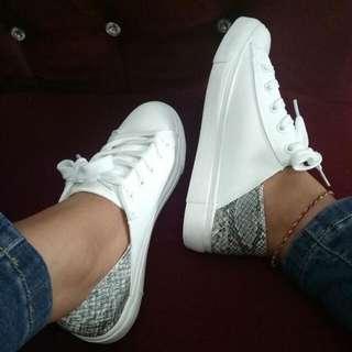 White Sneakers Nevada / Sneakers Putih Nevada
