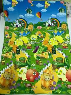 Playmat learn about fruits