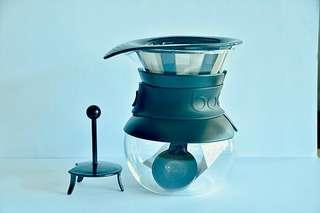 Bodum Pour Over 4 Cup Coffee Maker 0.5L Black