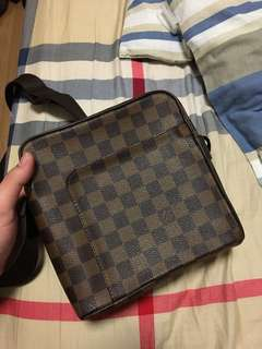 Authentic louis vuitton olav pm damier ebene