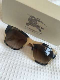 BURBERRY TORTOISE SHELL SUNGLASSES BE4188