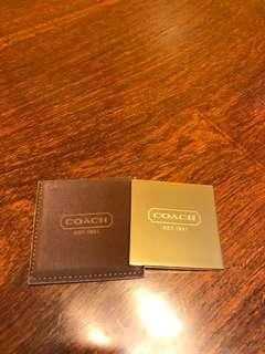 全新COACH小鏡子,金色面靚,有啡色皮套,6x6.5cm。