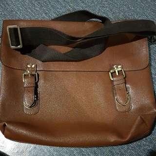 WTS: BATA Brown Sling Bag / Messenger Bag / Hangbags *price nego!!*