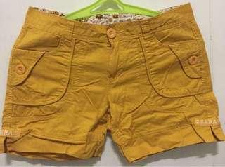 Pretty Short in yellow