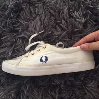 FRED PERRY White Canvas Shoes WMNS 8