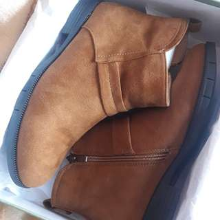Gibi Ankle Boots