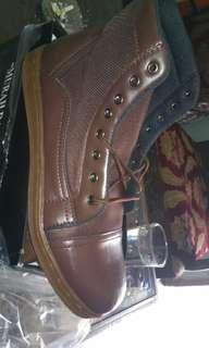 Sepatu casual coklat uk 43