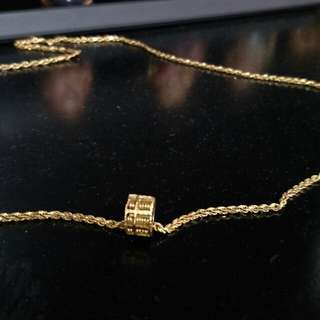916 GOLD NECKLACE AND PENDANT