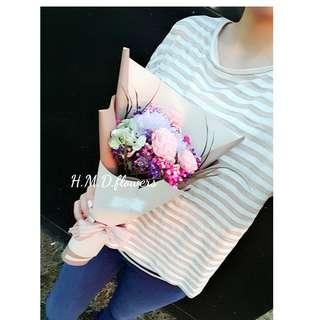 🚚 乾燥花 花束 玫瑰 滿天星 包裝紙 禮物
