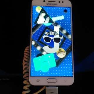 Hp Samsung Samsung J7+ bisa dicicil dengan bunga 0.99%