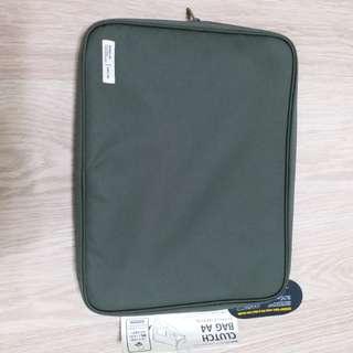 全新! Corrugated Fabric A4 size袋 $80, 超值! 連肩帶一條。西鐵沿線或銅鑼灣mtr. 謝