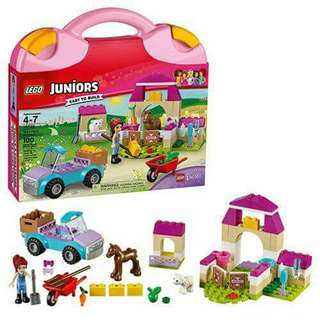 Lego Friends Junior 10746 Mia's Farm Suitcase