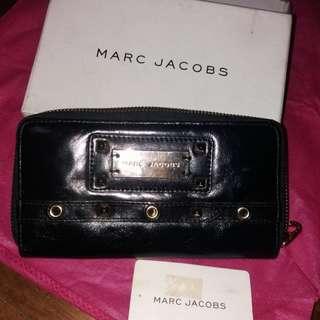 Marc jacobs mj black zippy wallet